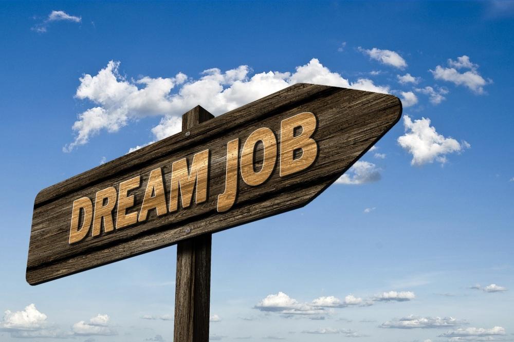 Jika Anda sementara mencari pekerjaan atau sementara menunggu lamaran Anda diterima, maka mungkin ini adalah salah satu informasi yang Anda butuhkan.