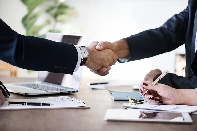 Hubungan jangka panjang dan hubungan antara perusahaan dengan distributornya sudah diatur dalam perjanjian kerjasama yang memuat hak dan kewajiban masing-masing pihak.